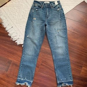 BRAND NEW, Abercrombie and fitch mom jeans